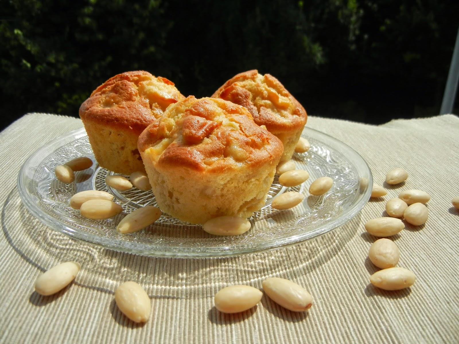 Muffins alle mele e farina di mandorle