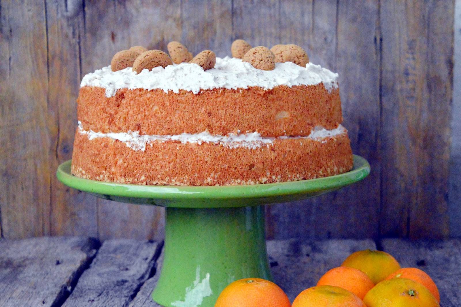 Angel cake all'amaretto e mandarino