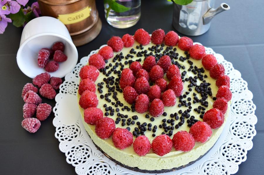 Cheesecake al pistacchio e lamponi