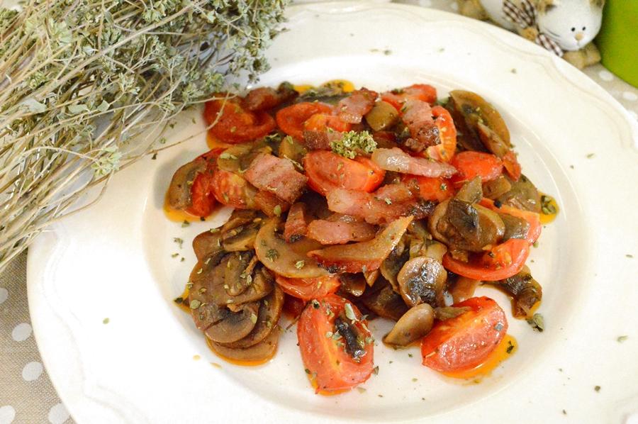 Champignon, pomodorini e guanciale croccante
