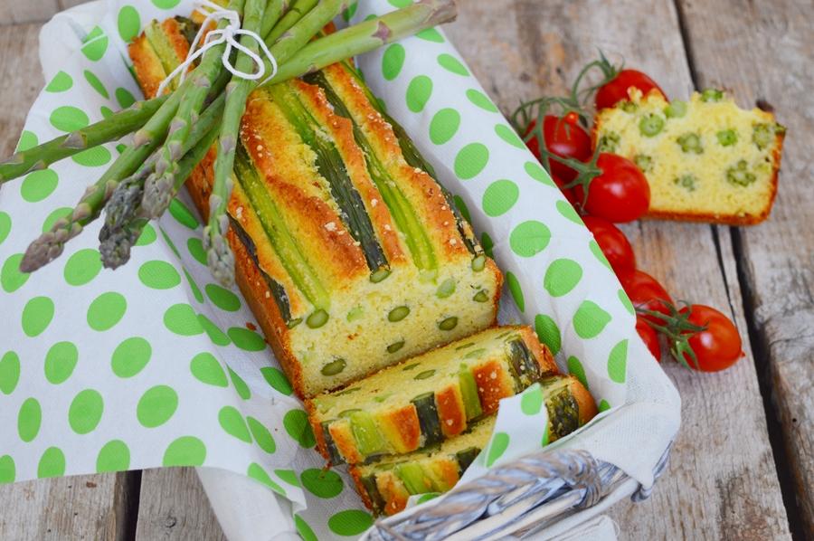Plumcake salato con asparagi, cipollotto e pecorino romano
