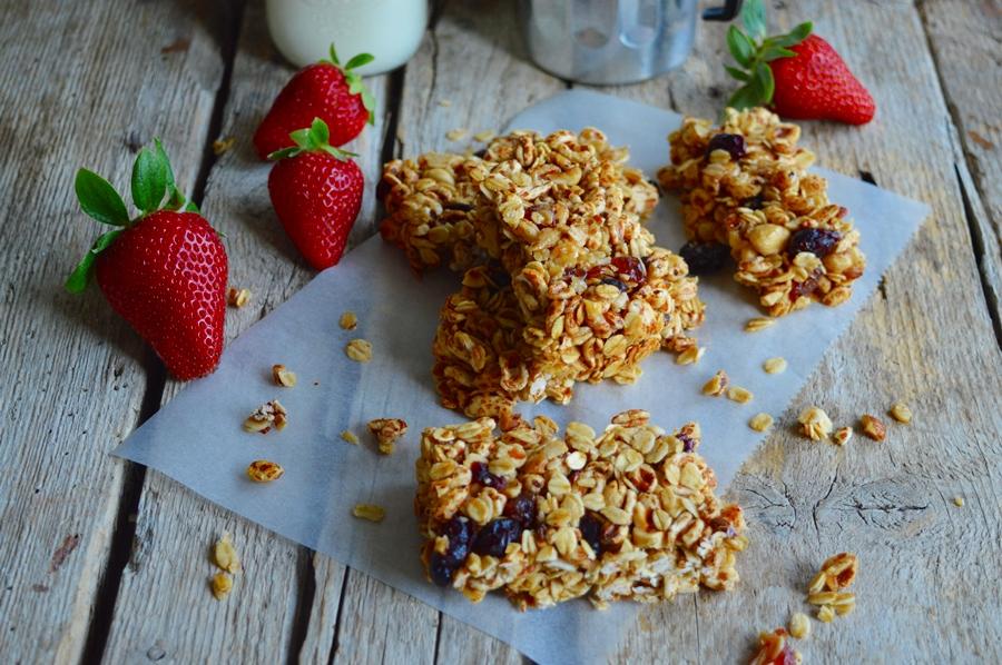 Barrette ai cereali e frutti rossi