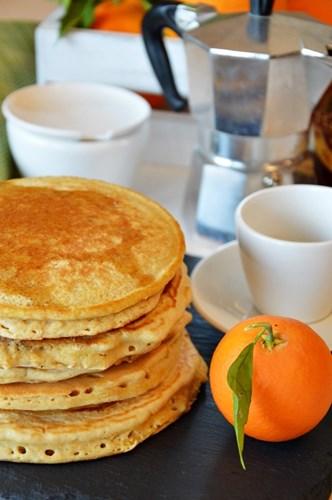 Pancakes agli albumi e farina integrale, senza lattosio