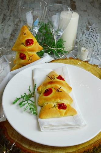 Abete di pane con pomodorini